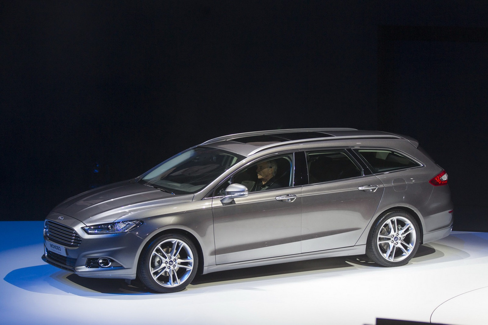 5th gen ford mondeo wagon version not