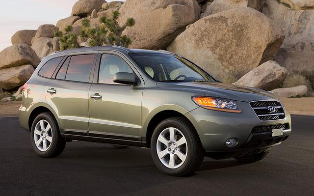 2009 Hyundai Santa Fe - Best Used Mid Size SUV Under $20000