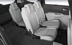 Peugeot-5008-interior