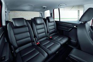 Volkswagen-Touran-interior