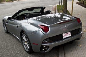 2013-Ferrari-California-rear