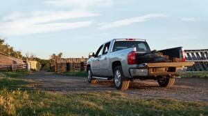 2013-Chevy-Silverado-1500-rear