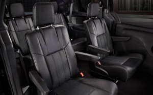 2013-Chrysler-Town-Country-seating