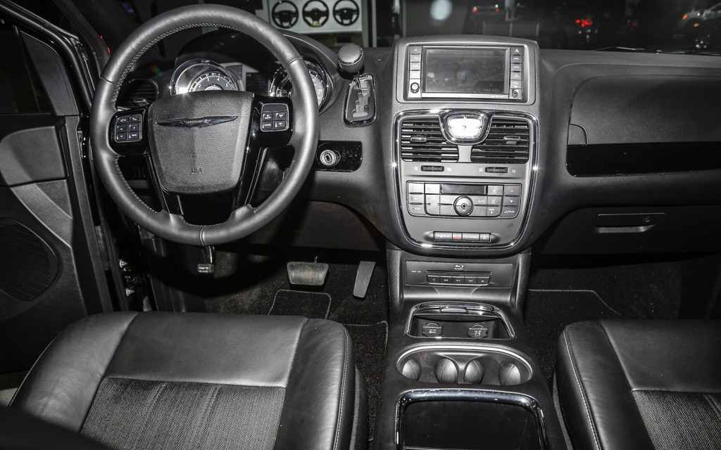 2013 Chrysler Town And Country Interior