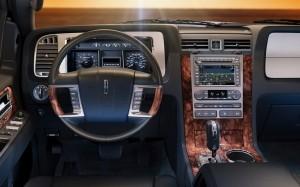 2013-Lincoln-Navigator-interior1