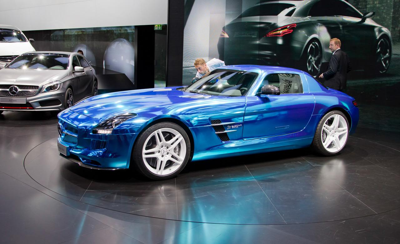 Mercedes sls amg electric drive sets a new record gear heads for New electric mercedes benz