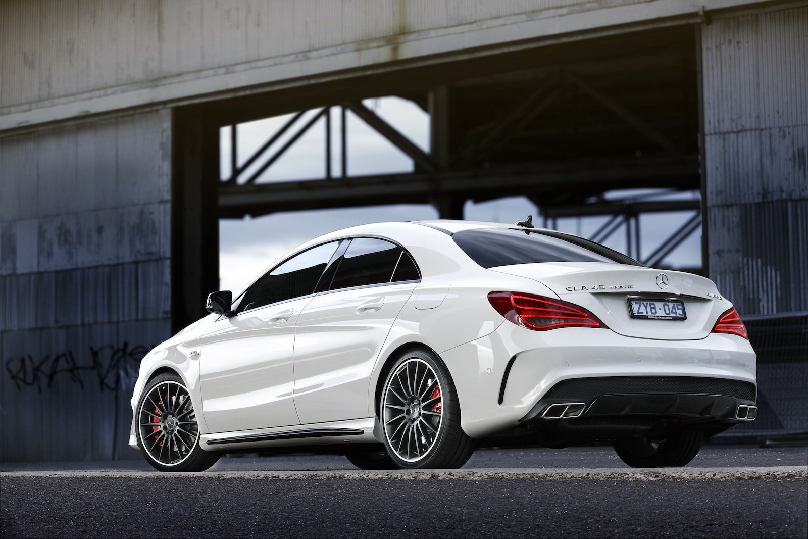 mercedes benz india to launch cla 45 amg. Black Bedroom Furniture Sets. Home Design Ideas