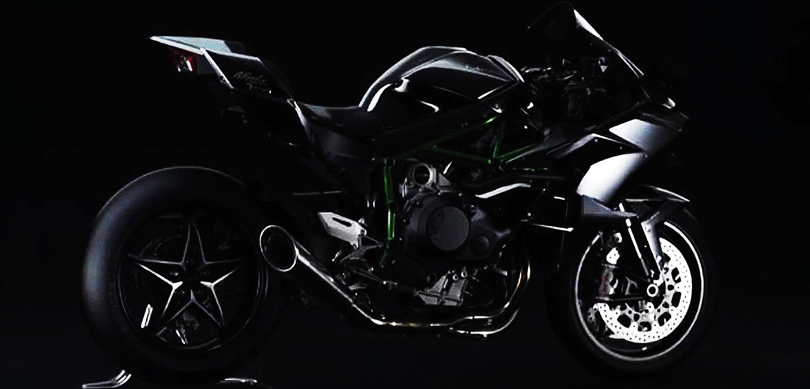 2015 Kawasaki Ninja H2R Side Rear