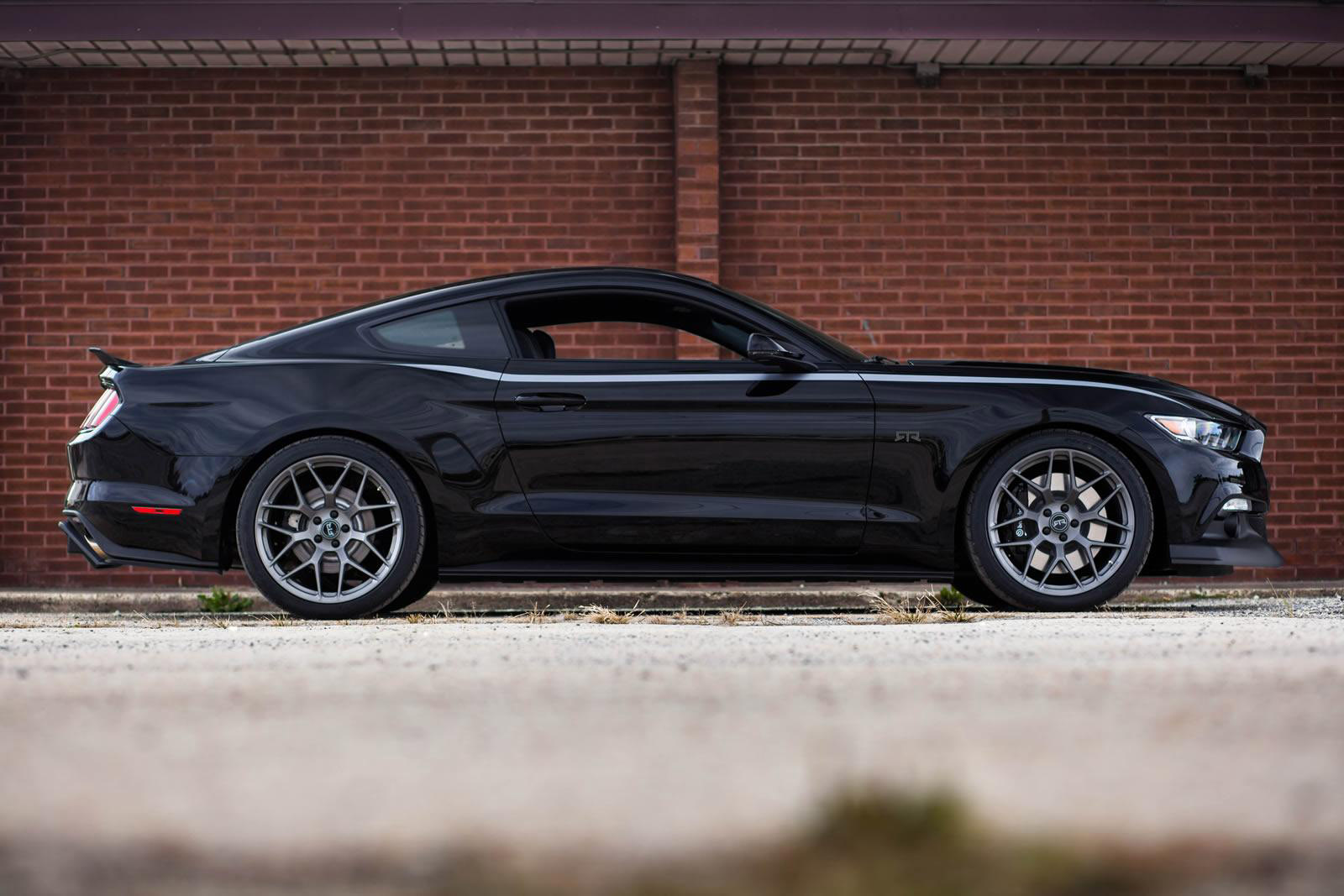 2015 Ford Mustang Rtr Boasts 725 Horsepower