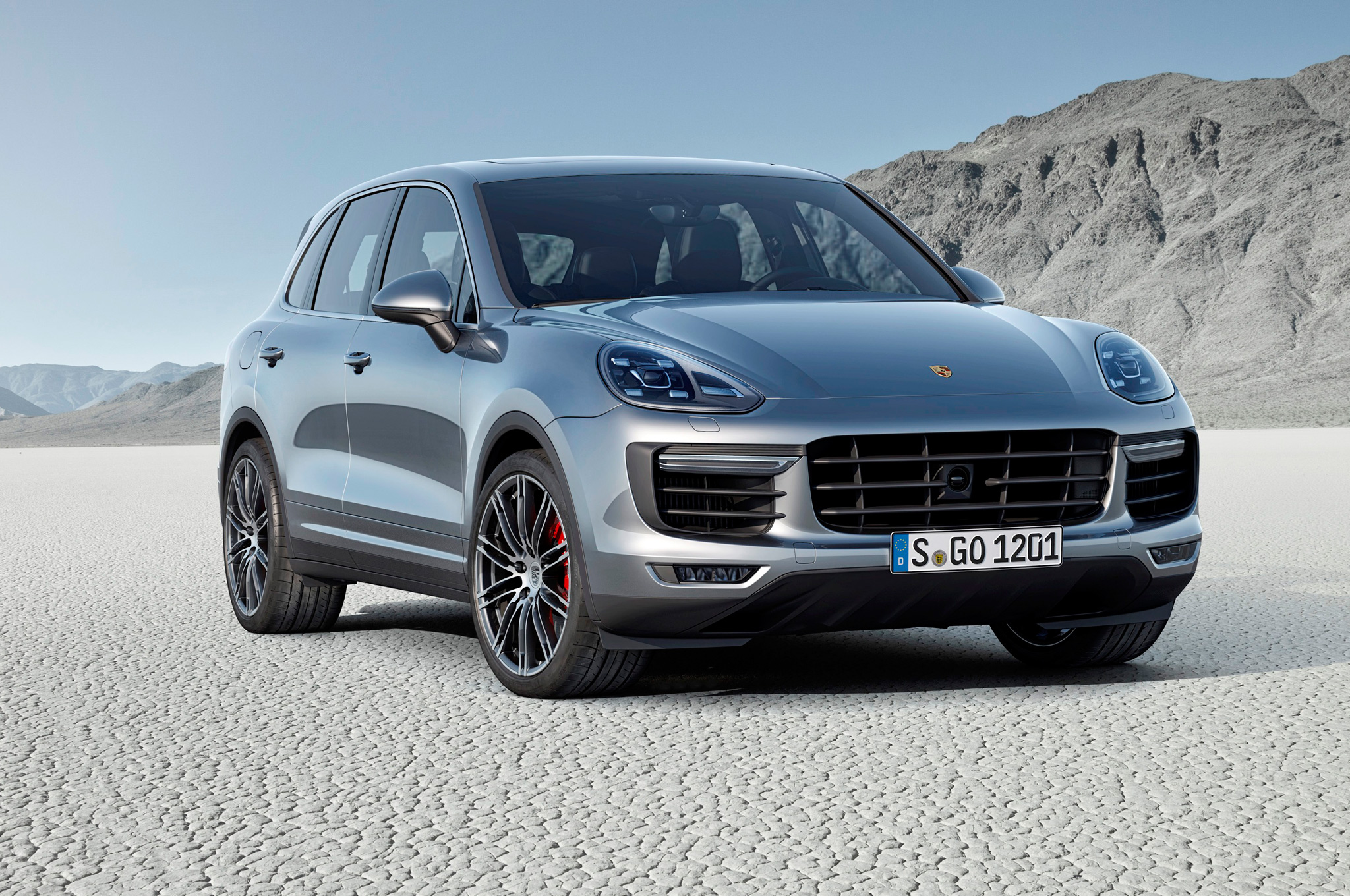 base model 2015 porsche cayenne and gts to debut at l a. Black Bedroom Furniture Sets. Home Design Ideas