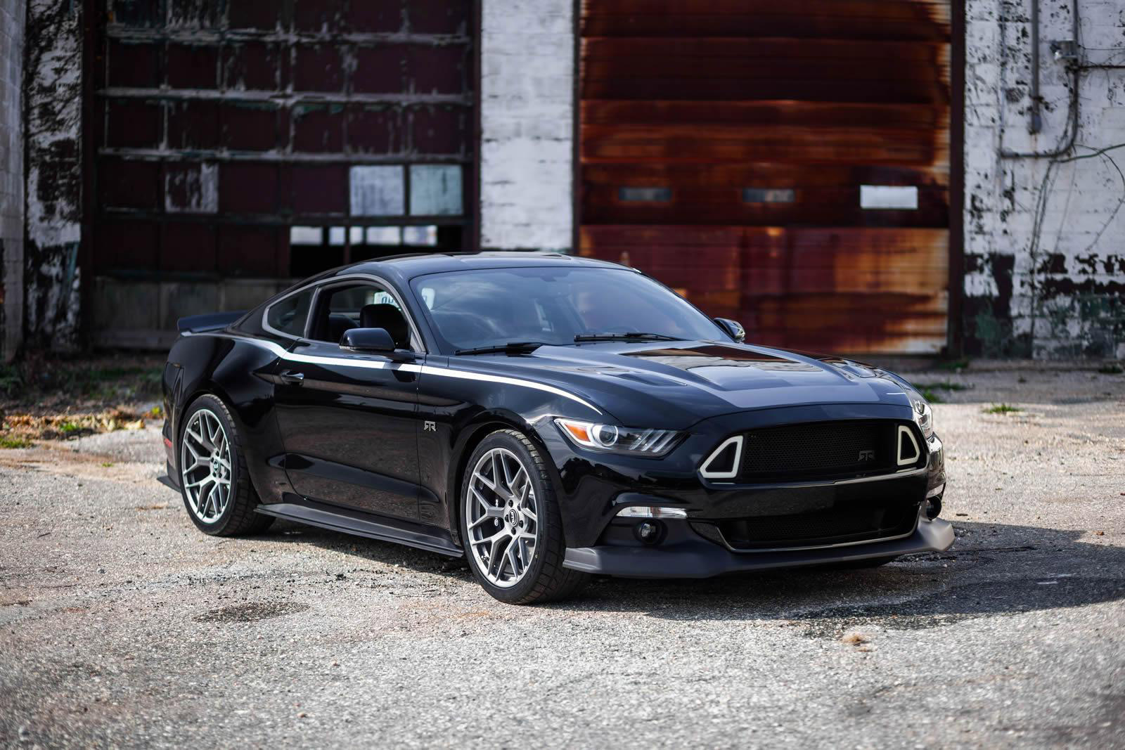2015 ford mustang rtr boasts 725 horsepower. Black Bedroom Furniture Sets. Home Design Ideas