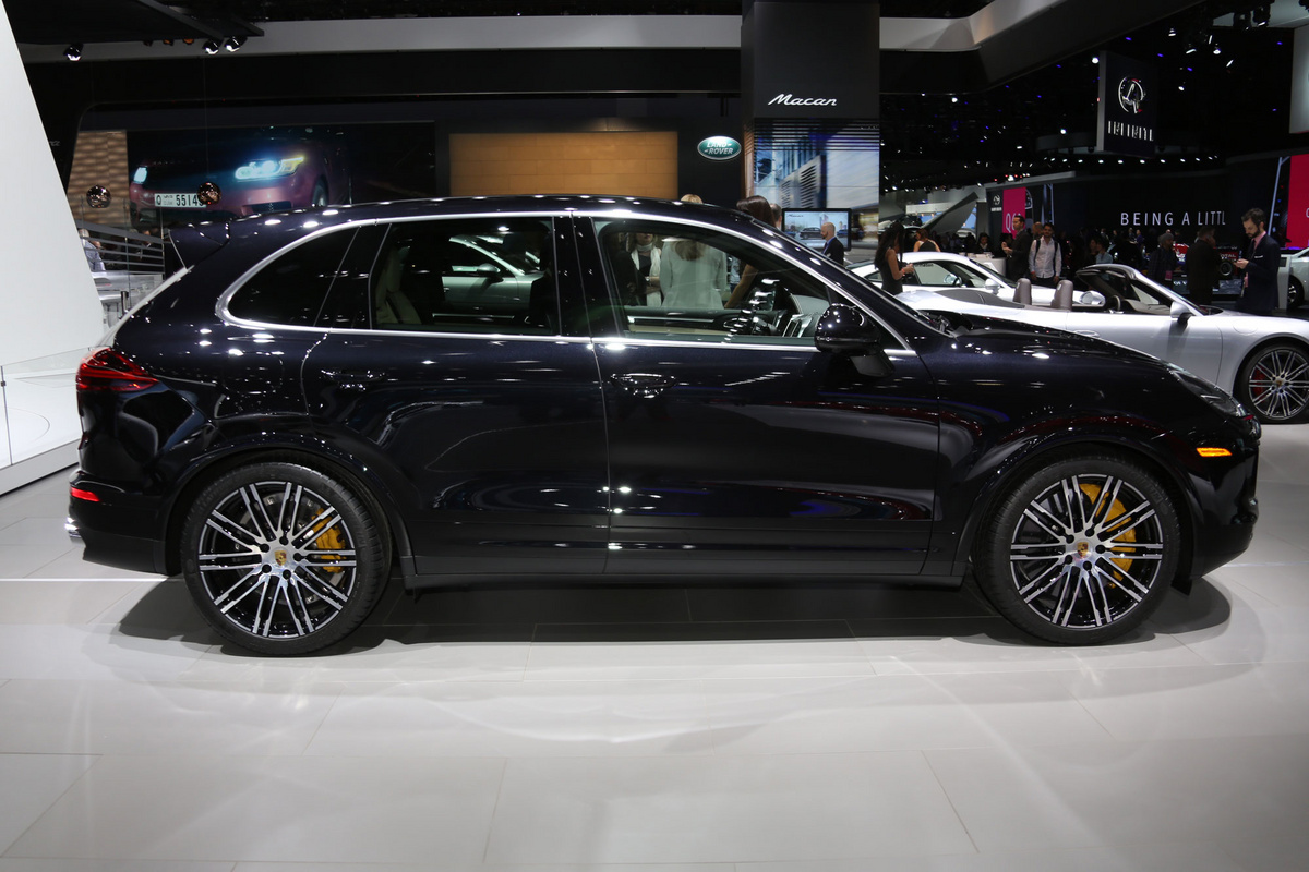 german 2016 porsche cayenne turbo s is the suv that crashed the nurburgring. Black Bedroom Furniture Sets. Home Design Ideas