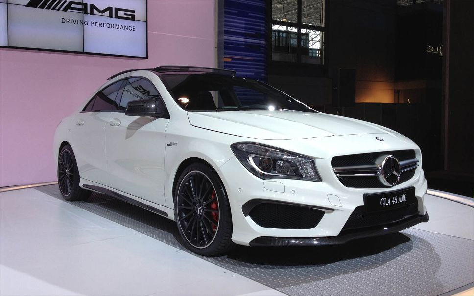 2015 mercedes benz cla 45 amg the epitaph of power and class. Black Bedroom Furniture Sets. Home Design Ideas