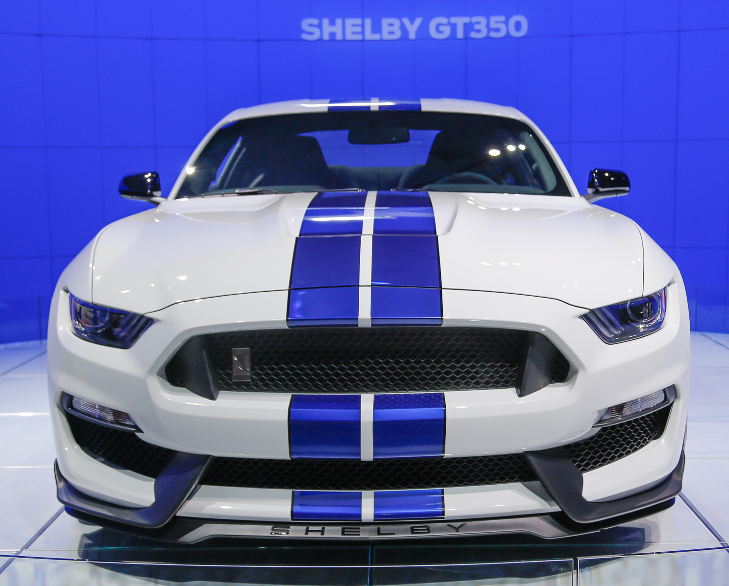 2016-ford-shelby-gt350-mustang-front-end