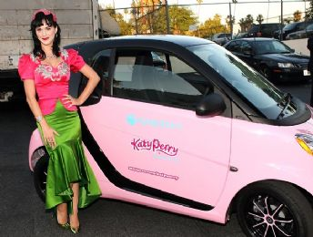 KATY PERRY's SMART FORTWO