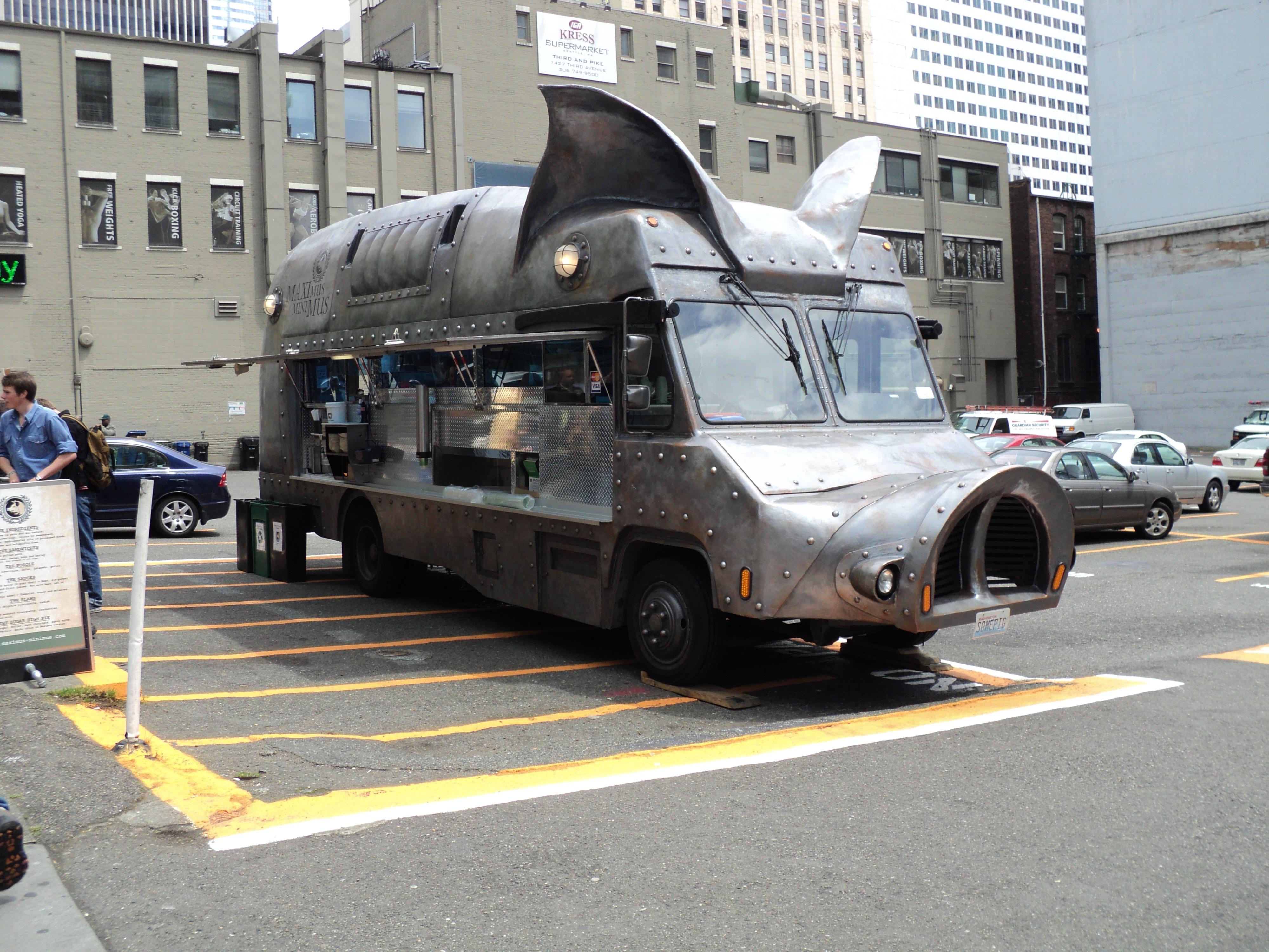 Maximus/Minimus Food Truck