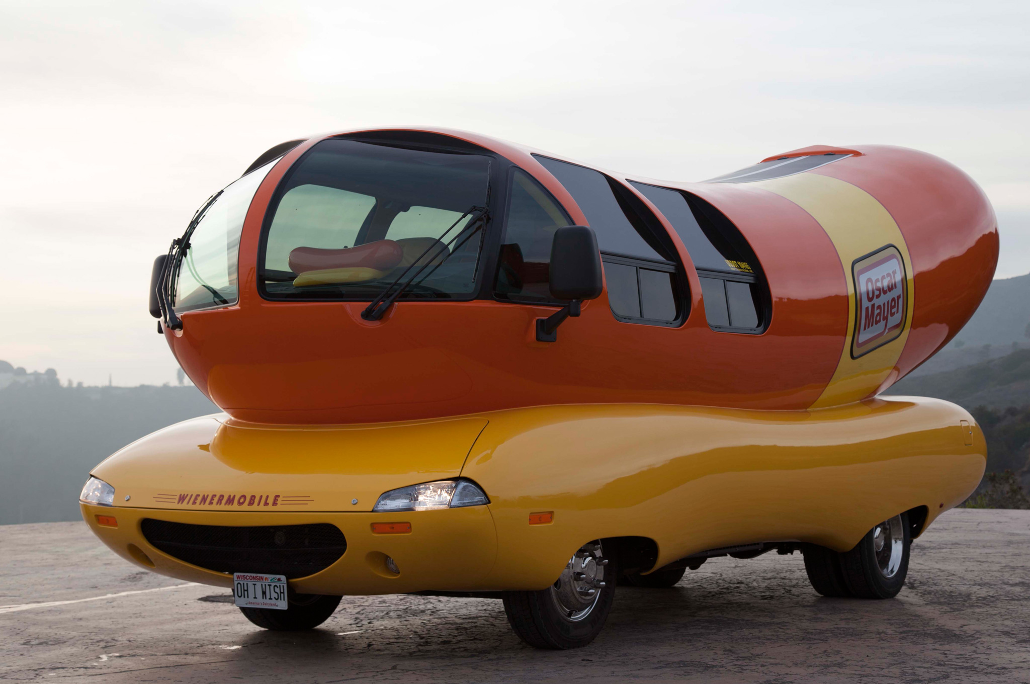 oscar-mayer-wienermobile-front-side-view