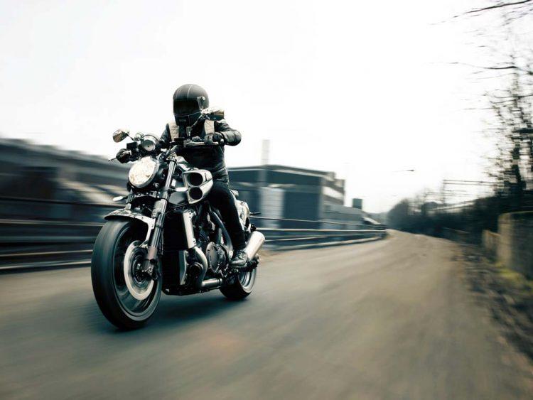 Yamaha VMAX Carbon 4