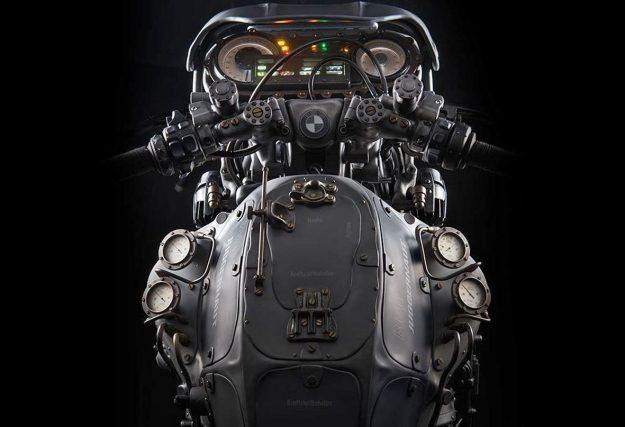 BMW K1600 Custom 3