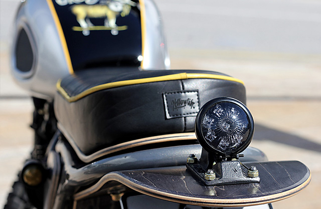 Suzuki DR650 Custom 6
