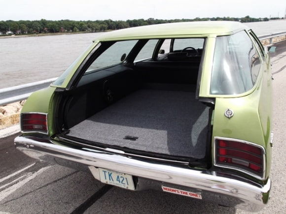 GM Full-Size Wagon Glide-Away Tailgate