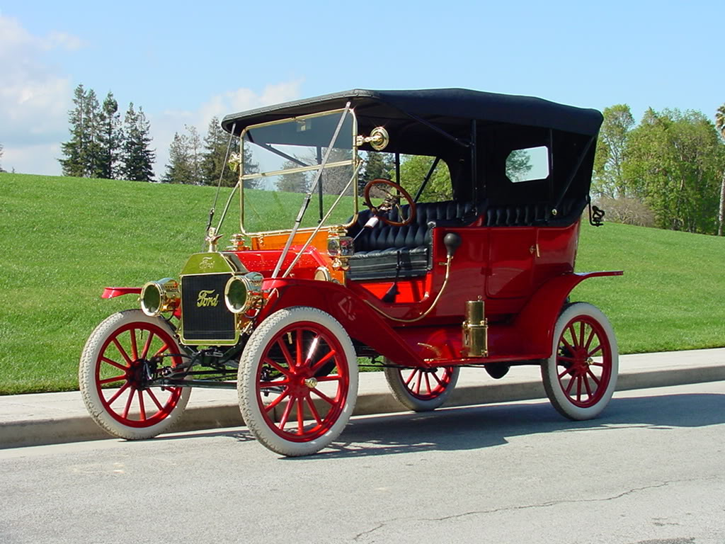 1912_MODEL_T_FORD_TOURING
