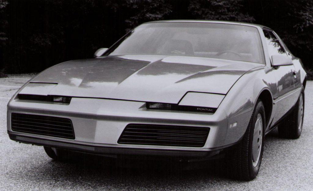 1982-pontiac-firebird-photo-274815-s-1280x782
