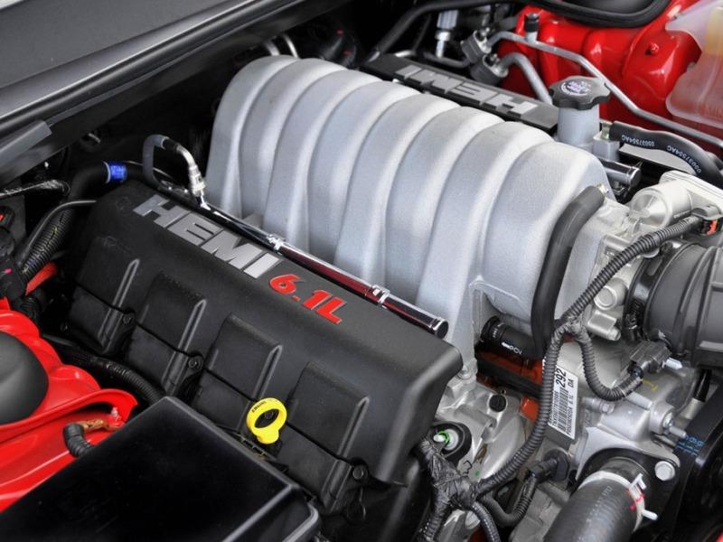 2009-Dodge-Challenger-SRT8-Engine