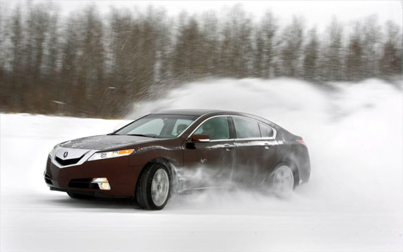 Acura TL Cornering In Snow