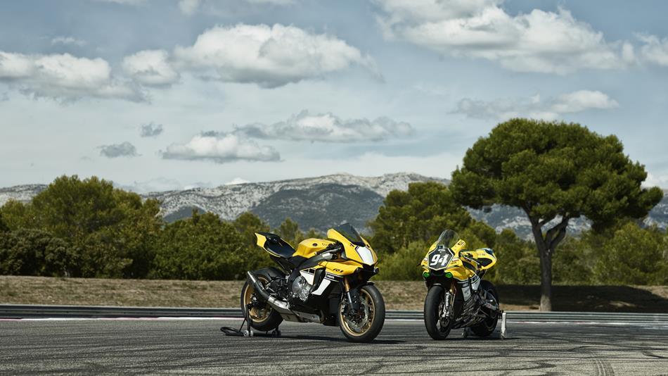 Yamaha R1 Anniversary Edition 5