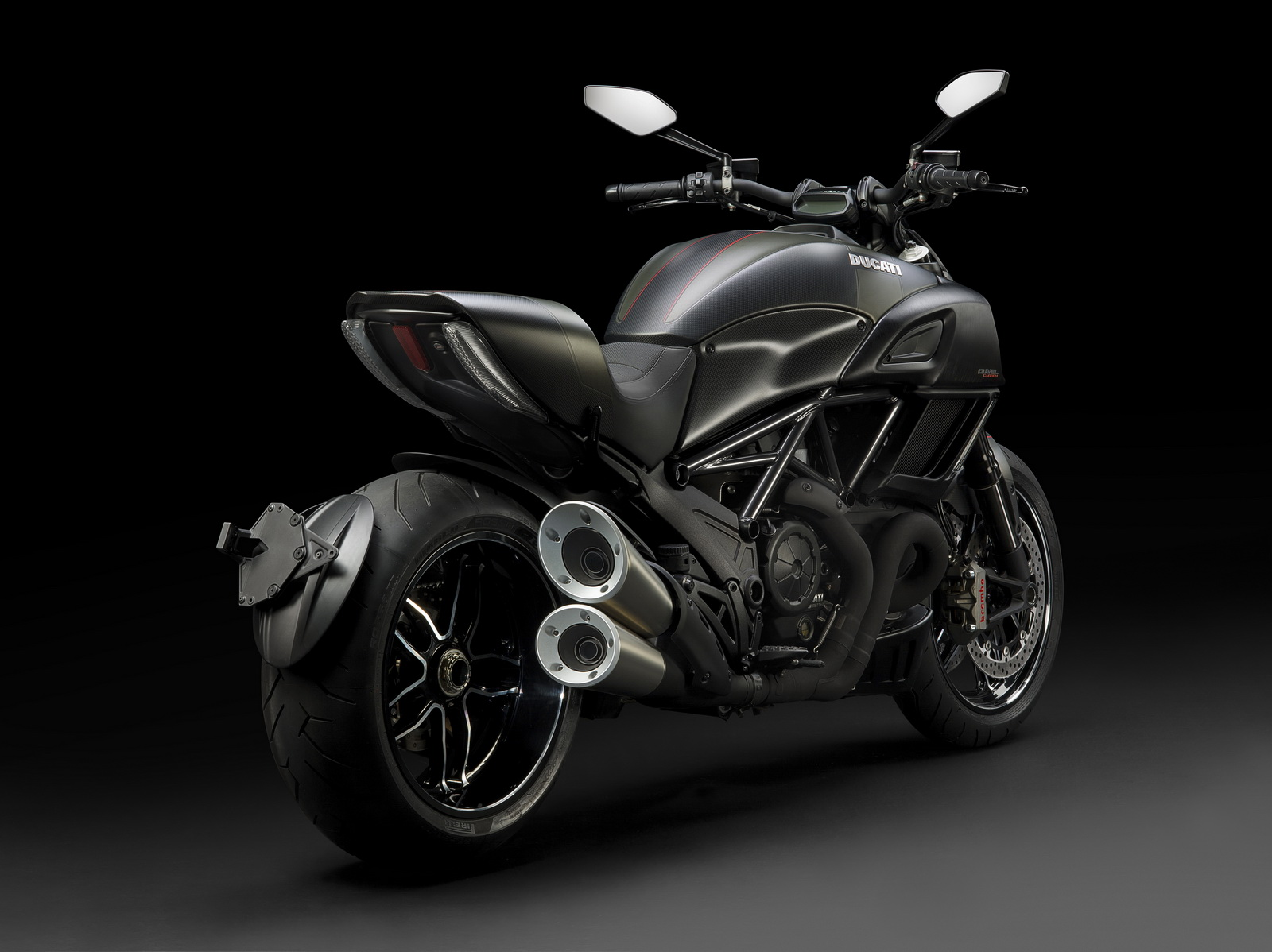 the 2016 ducati diavel carbon edition. Black Bedroom Furniture Sets. Home Design Ideas
