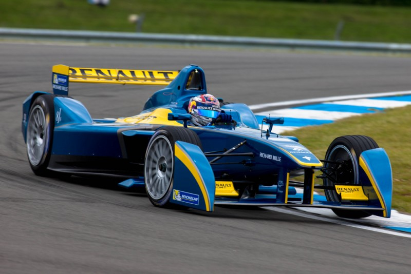 formula-e-championship-first-official-test-day-donington-park_100471708_l