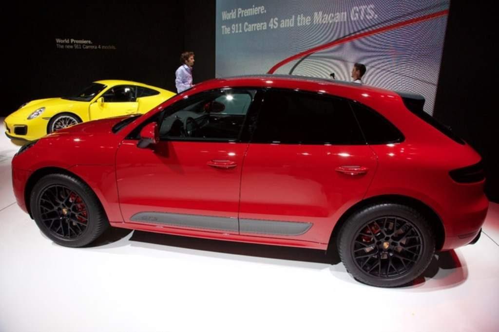 Porsche Macan GTS Side View