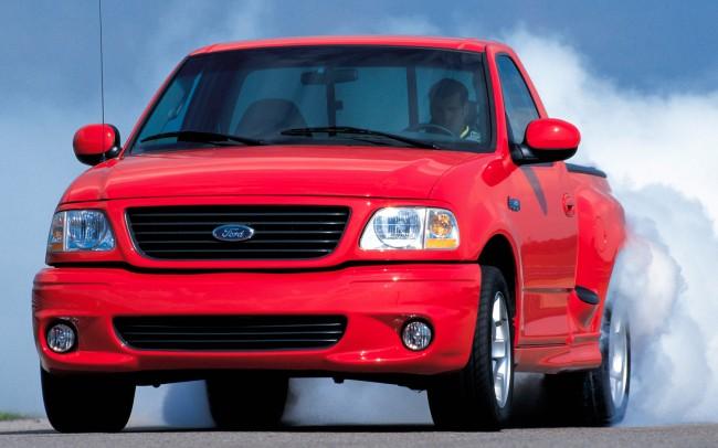 1999-Ford-F150-SVT-Lightning-burnout-shot