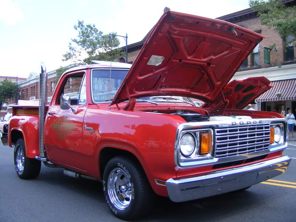 Performance Trucks - Dodge Lil Red Express