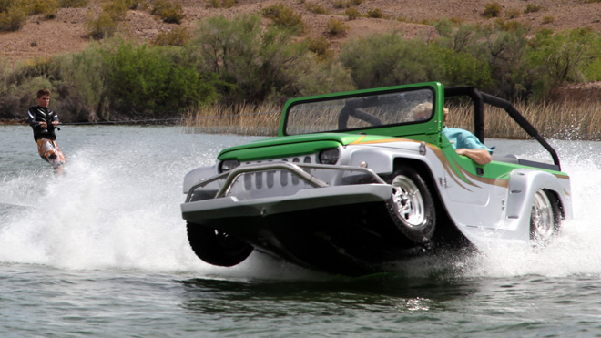 The Panther Is A Car Boat Hybrid!