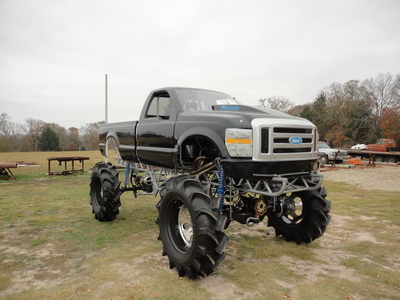 Heavy Duty Tires On A Lifted Truck