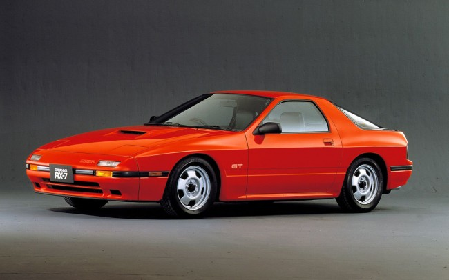 1986-Mazda-RX-7-front-three-quarters