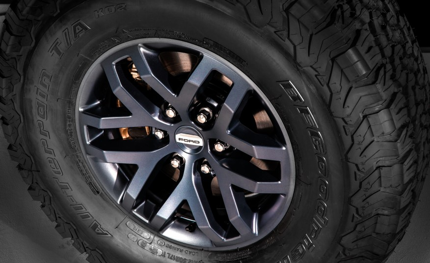 All New Ford F  Raptor Supercrew Showcased At The Detroit Auto Show Ford Raptor Stock Tire Size