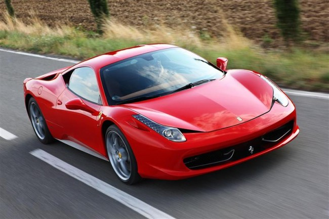 Latest-2012-Ferrari-458-Italia-Car-Review1