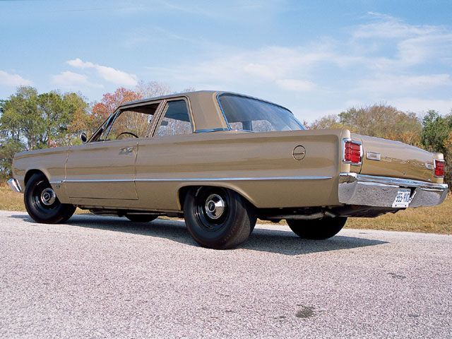 mopp_0503_04_z+1966_plymouth_belvedere_i+left_rear_view