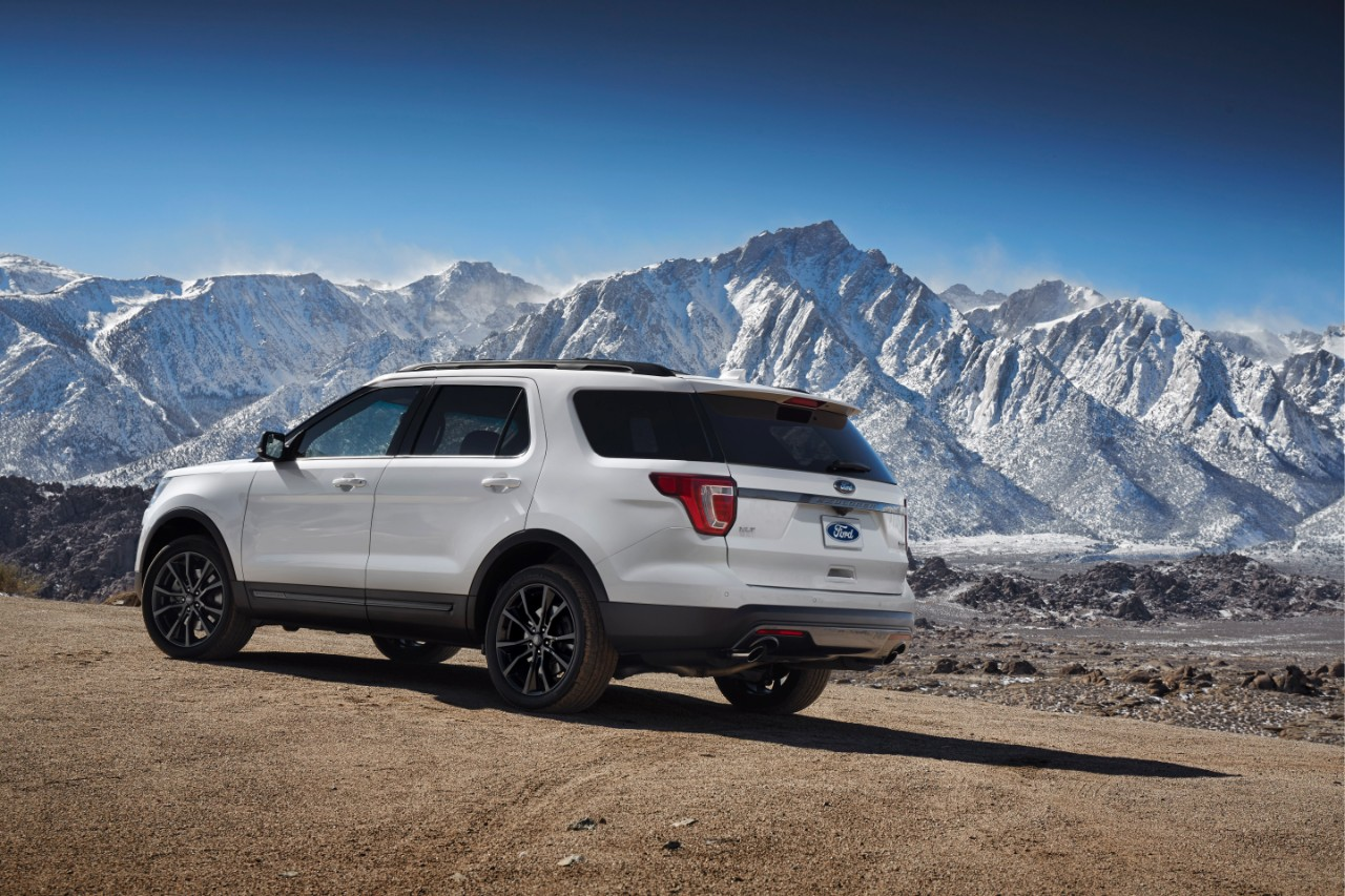 2017 Ford Explorer XLT Sport Appearance Package 2