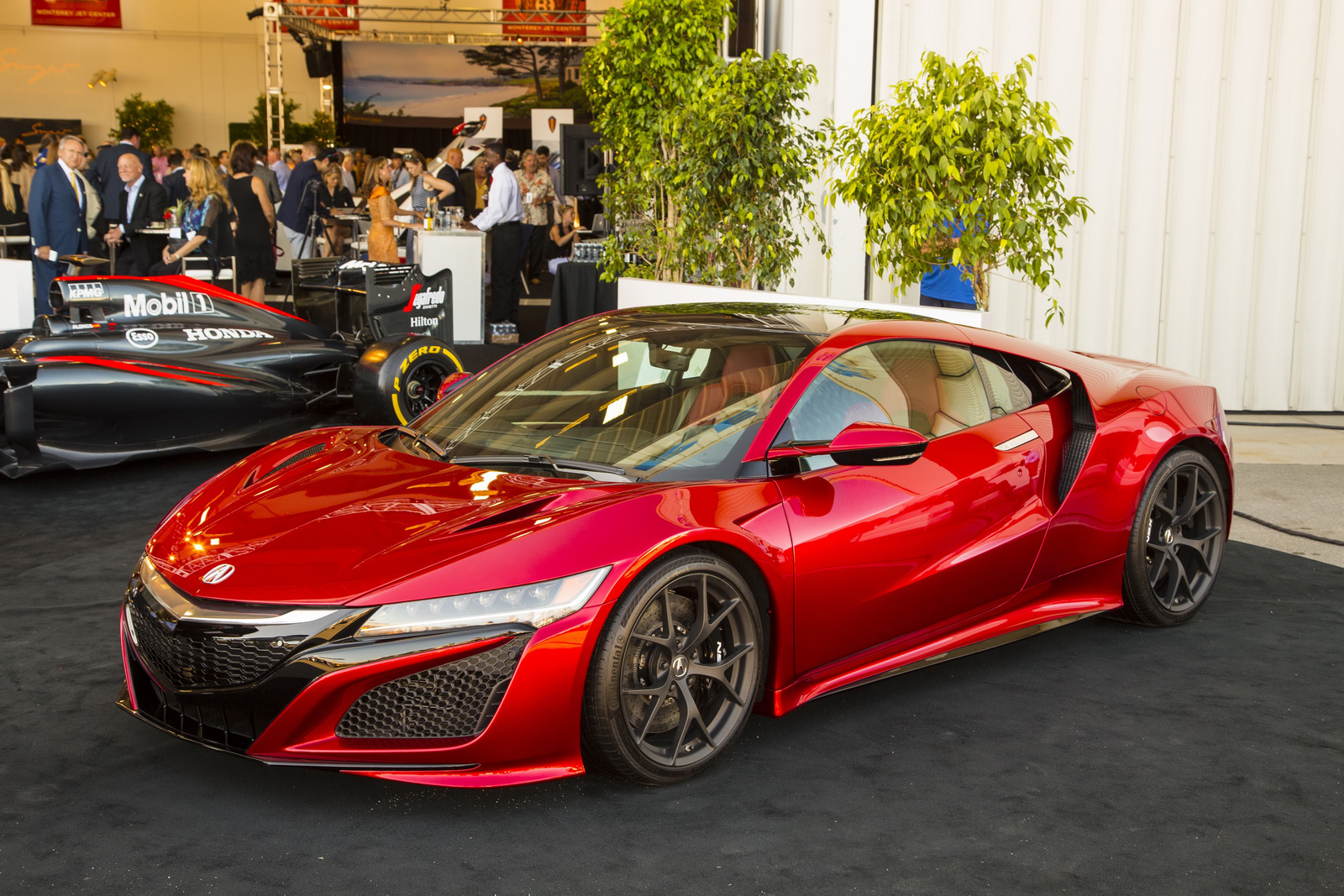 first 2017 acura nsx sells for 1 200 000. Black Bedroom Furniture Sets. Home Design Ideas