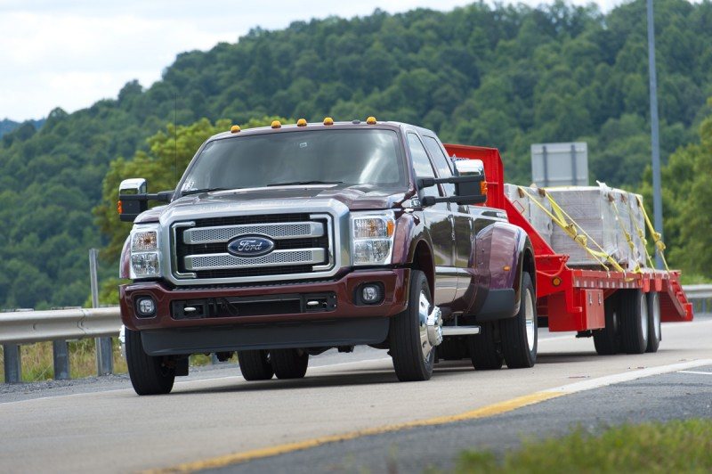 15Ford-F450-Towing