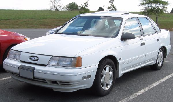 Best Selling American Car Of All Time - Ford Taurus