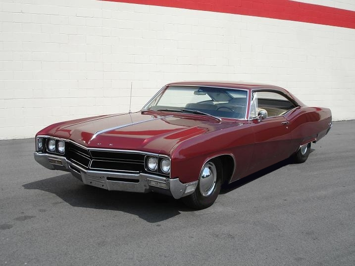 1967_Buick_Wildcat_-_Flickr_-_denizen24_(2)