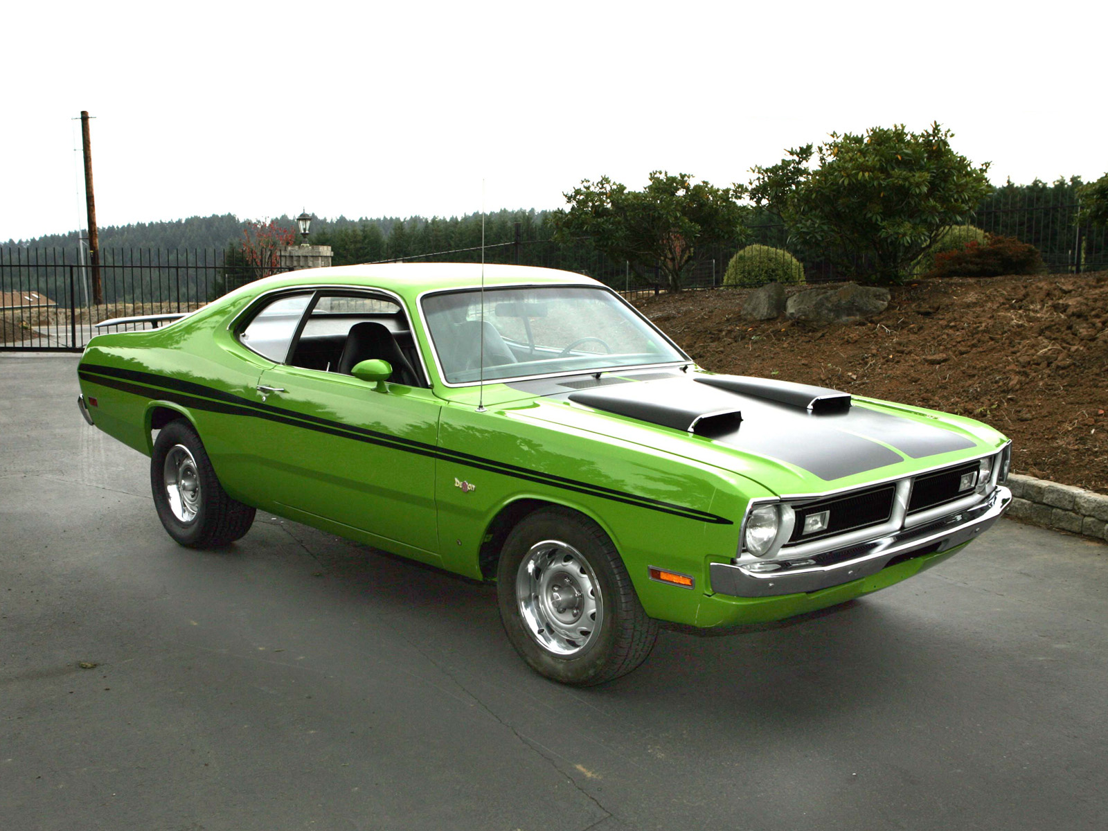1971_Dodge_Dart_Demon_001_2781