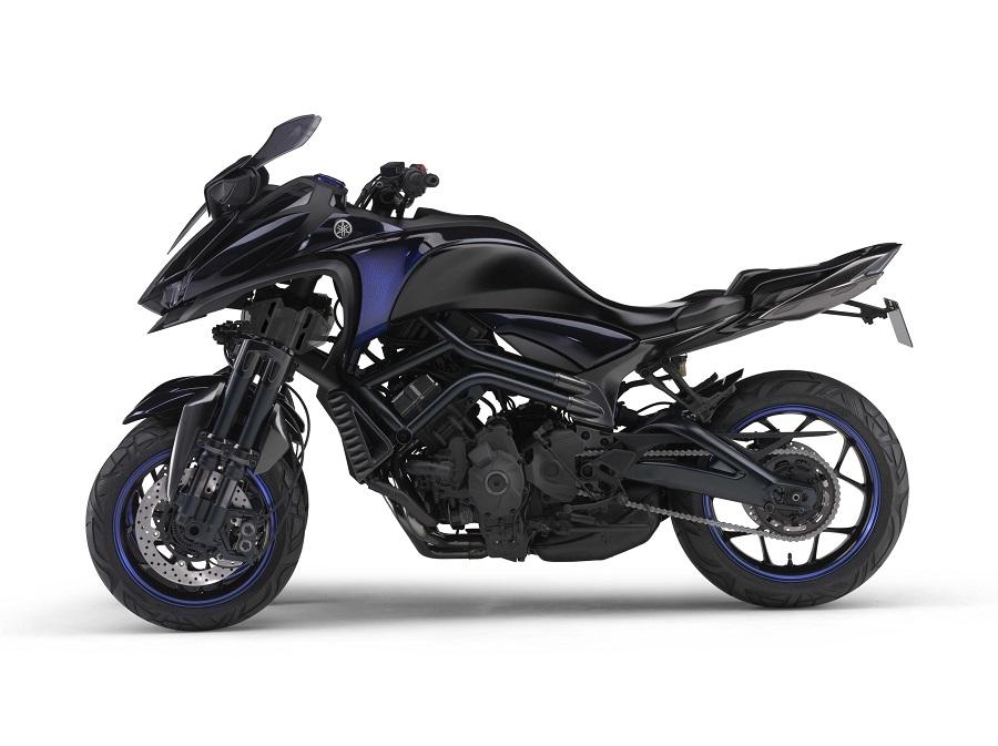 Yamaha MWT-9 Reverse Trike Concept 1