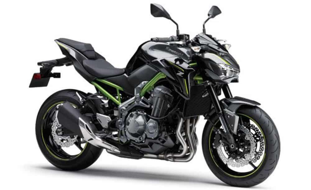 Kawasaki Z900 Side View