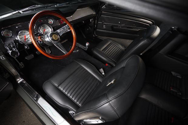 14-1967-ford-mustang-interior